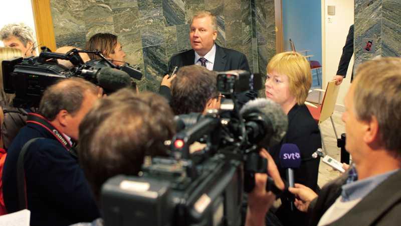 Åklagarna Håkan Larsson och Solveig Wollstad intervjuas.