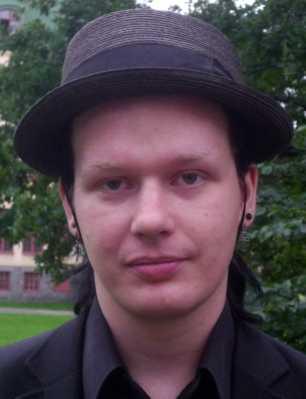 Ola Bini är vän med Julian Assange. Svenskens familj förnekar dock att han skulle vara engagerad i Wikileaks.