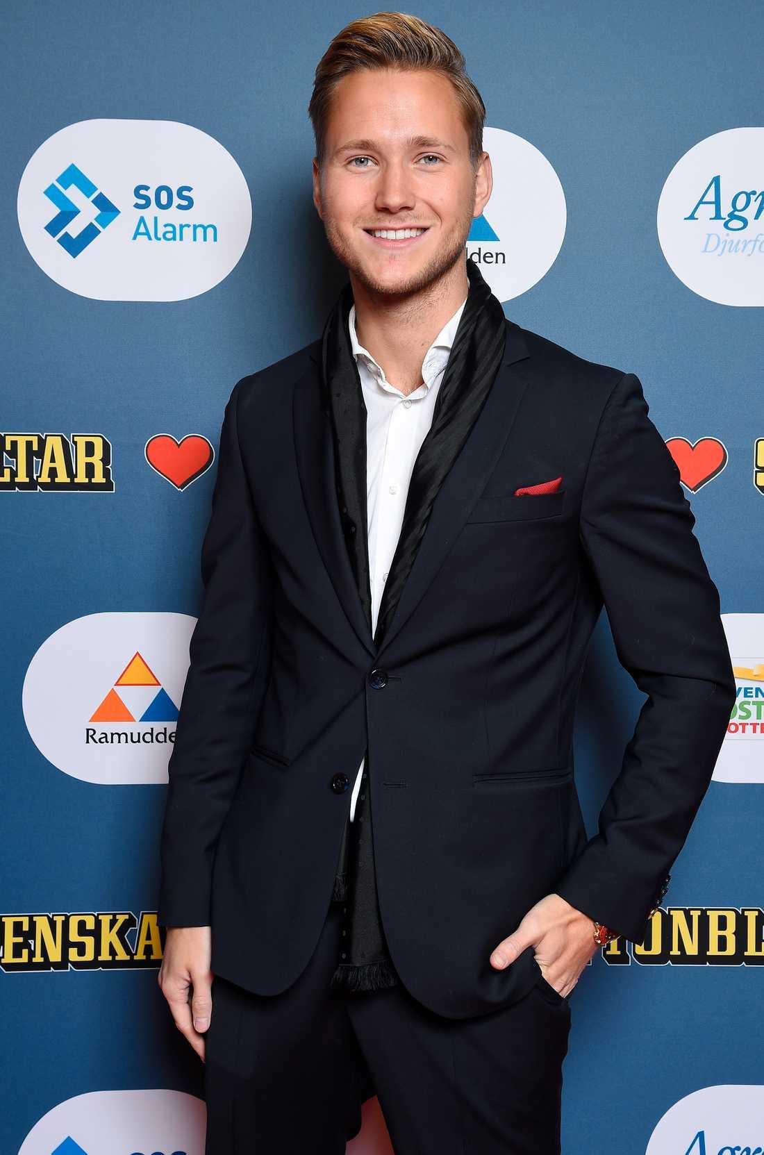 Viktor Frisk strålade på röda mattan.