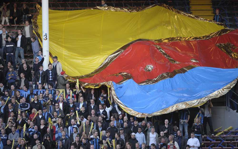 Dif:s fans inför matchen.