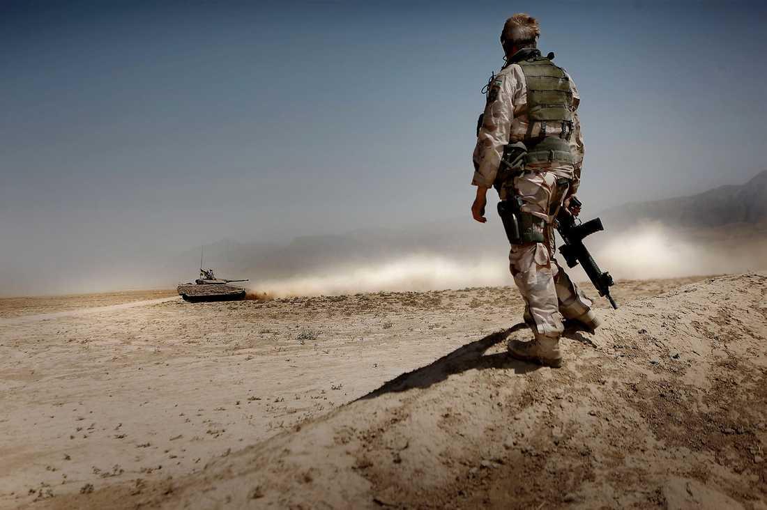 """""""TA HEM TRUPPERNA"""" Beslutet att förlänga det svenska deltagandet i kriget i Afghanistan är ett allvarligt misstag, skriver Helle Klein, Pierre Schori och Carl Tham."""