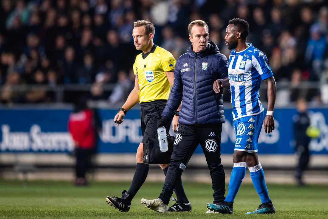 Nzuzi Toko utgick skadad mot IFK Göteborg.