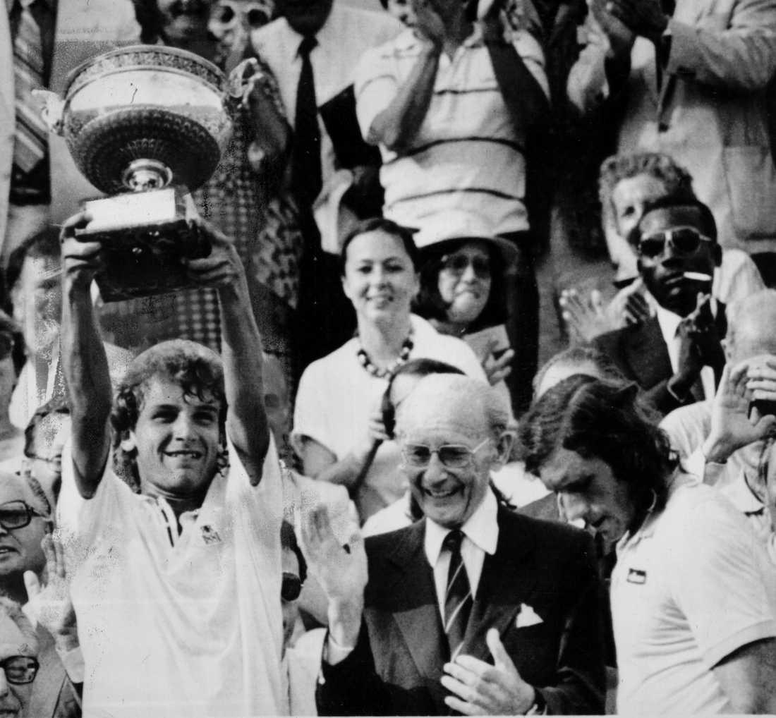 1982, Mats Wilander (SWE) 1982 var det dags för en annan svensk att ta över. Mats Wilander vann det året finalen mot Guillermo Vilas (ARG) med siffrorna 1-6, 7-6, 6-0, 6-4.