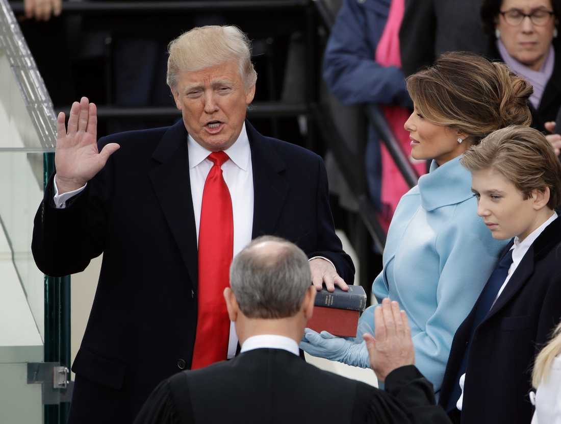 Donald Trump svärs in som USA:s 45:e president.
