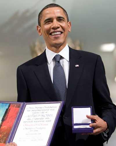 Barack Obama tog i fjol emot Nobels fredspris i Oslo.