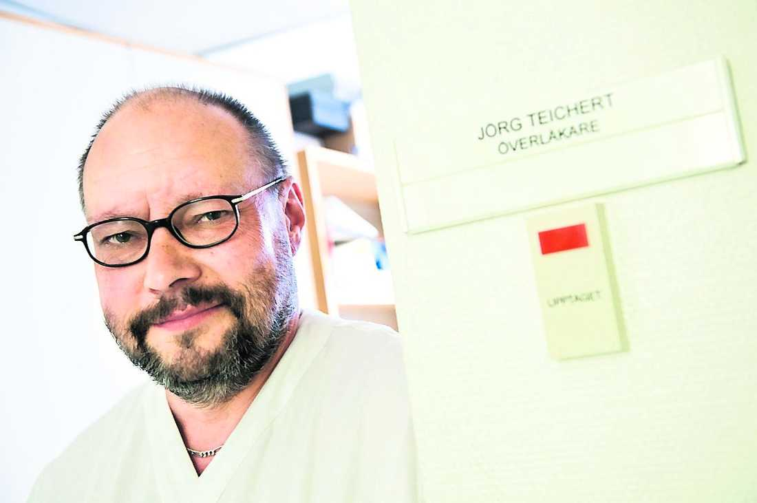 Jörg Teichert kan bara jobba 75 procent efter en stroke.