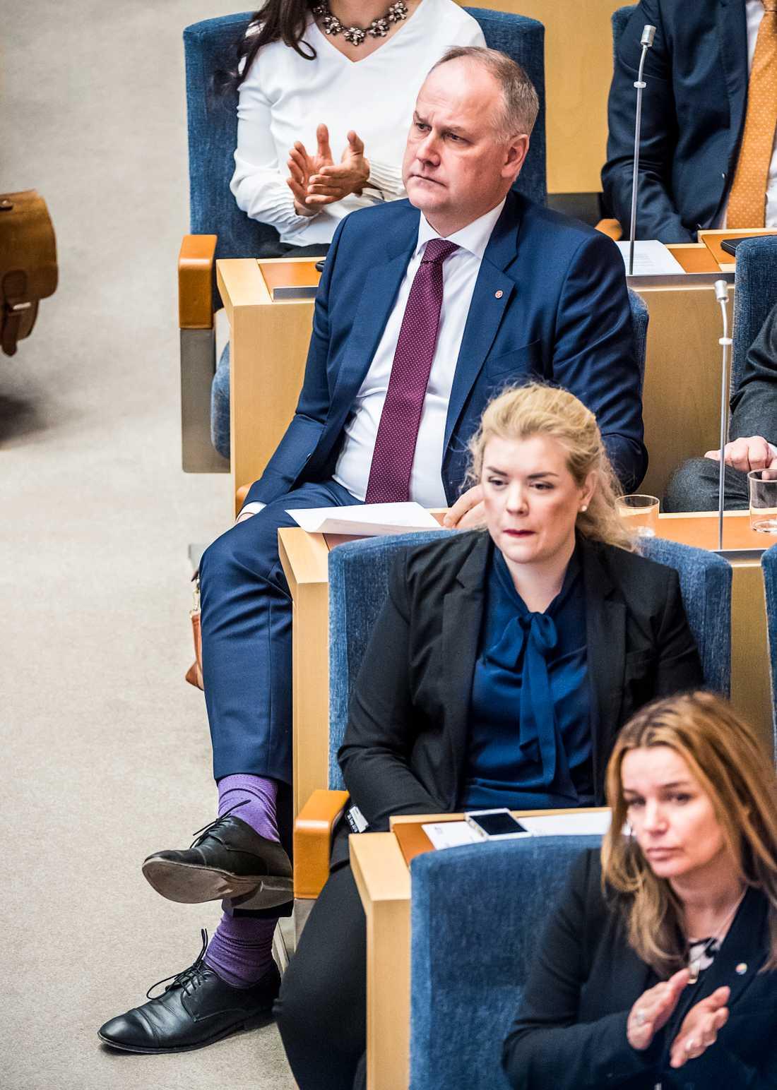 Jonas Sjöstedt (V) under statsministeromröstning i riksdagen på fredag då Stefan Löfven (S) röstades fram som statsminister.