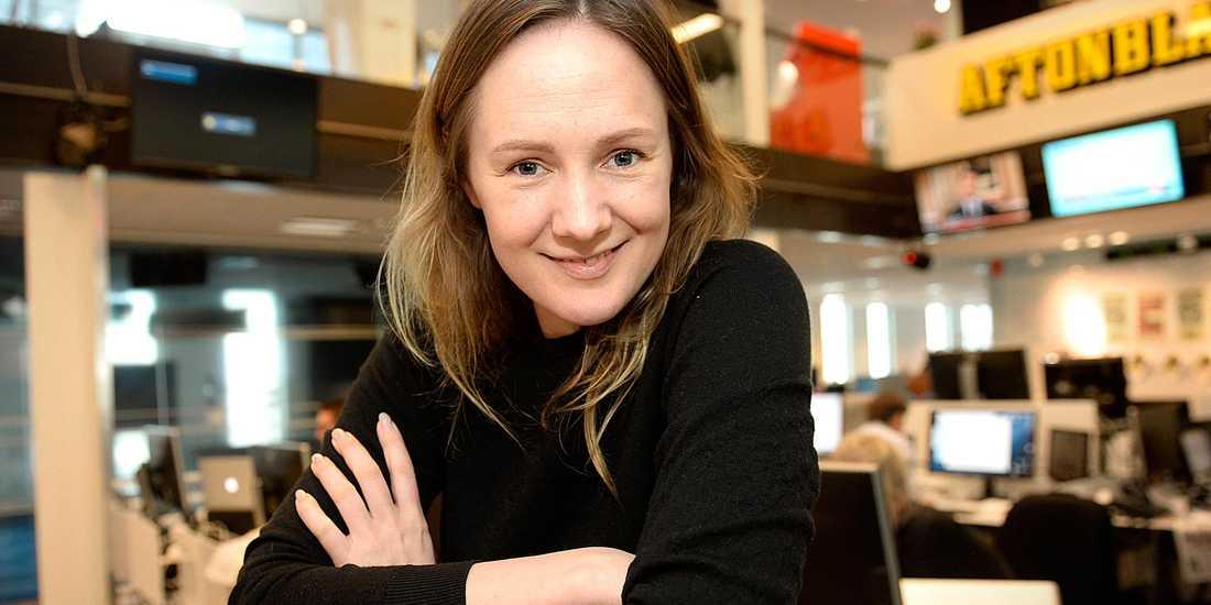 """Lina Thomsgård har flera strängar på sin lyra, bland annat har hon publicerat ett flertal texter som kolumnist i Aftonbladet. Hon står även bakom organisationen """"Rättviseförmedlingen""""."""