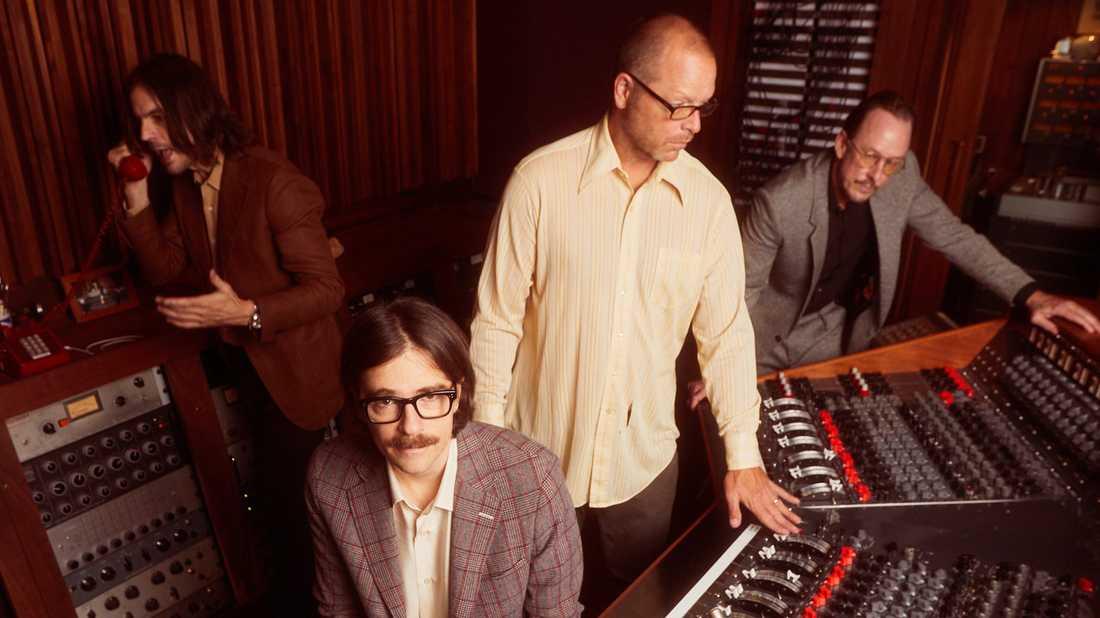 Weezer släpper i år två väsensskilda studioalbum.