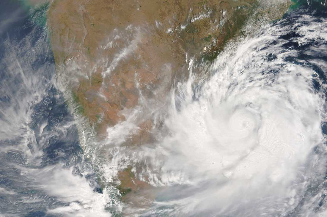 Satellitbild över cyklonen Fani.