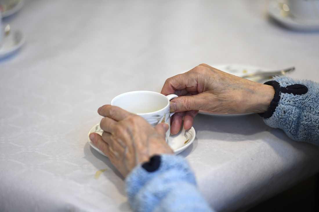 """""""Det är dags att prata mer om psykisk ohälsa hos äldre, hur den kan behandlas och förebyggas"""", skriver Britta Svensson."""