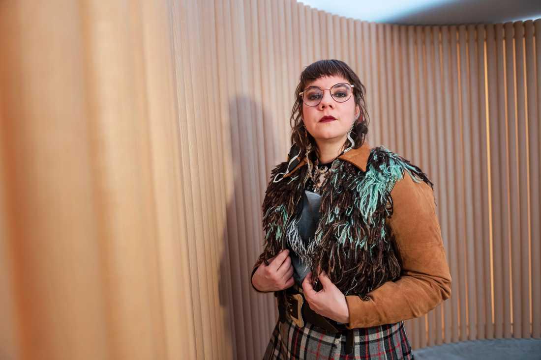 Folkmusikern Sara Parkman följer med på turné. Arkivbild.