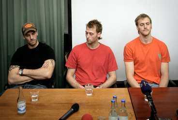 FÅr vänta på återkomsten I februari stängdes Andreas Lilja, Kristian Huselius och Henrik Tallinder av från allt spel i Tre Kronor resten av säsongen. Nu förlängs avstängningen.