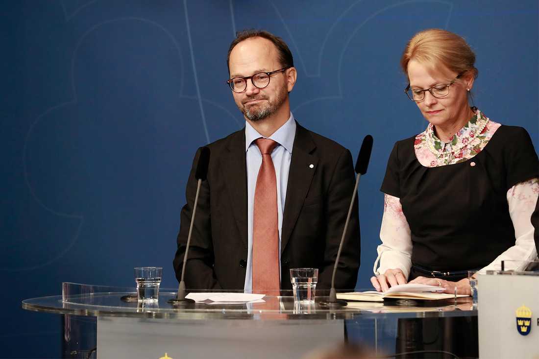 Tomas Eneroth blir ny infrastrukturminister.