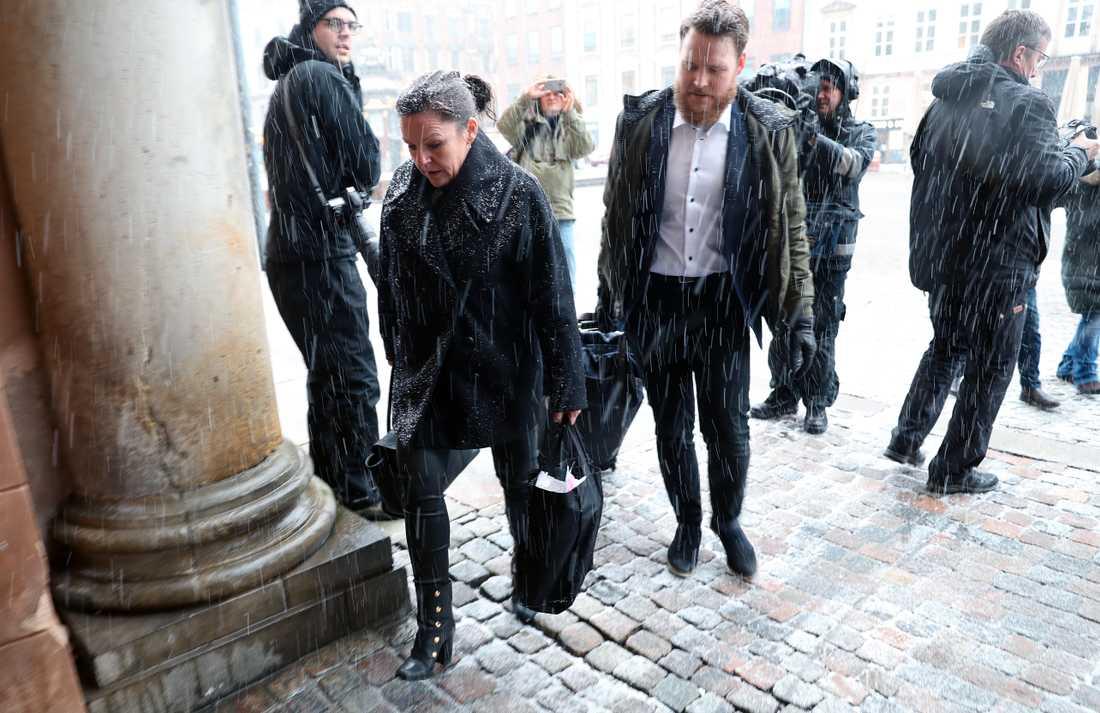 Försvarsadvokat Betina Hald Engmark anländer till Köpenhamns byret, där rättegången mot den mordmisstänkte Peter Madsen som är åtalad för mordet på Kim Wall, fortsätter under tisdagen.