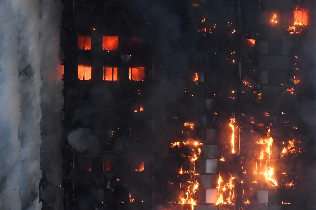 Sex minuter tog det: sedan var hela fasaden på 24-våningshuset övertänd.