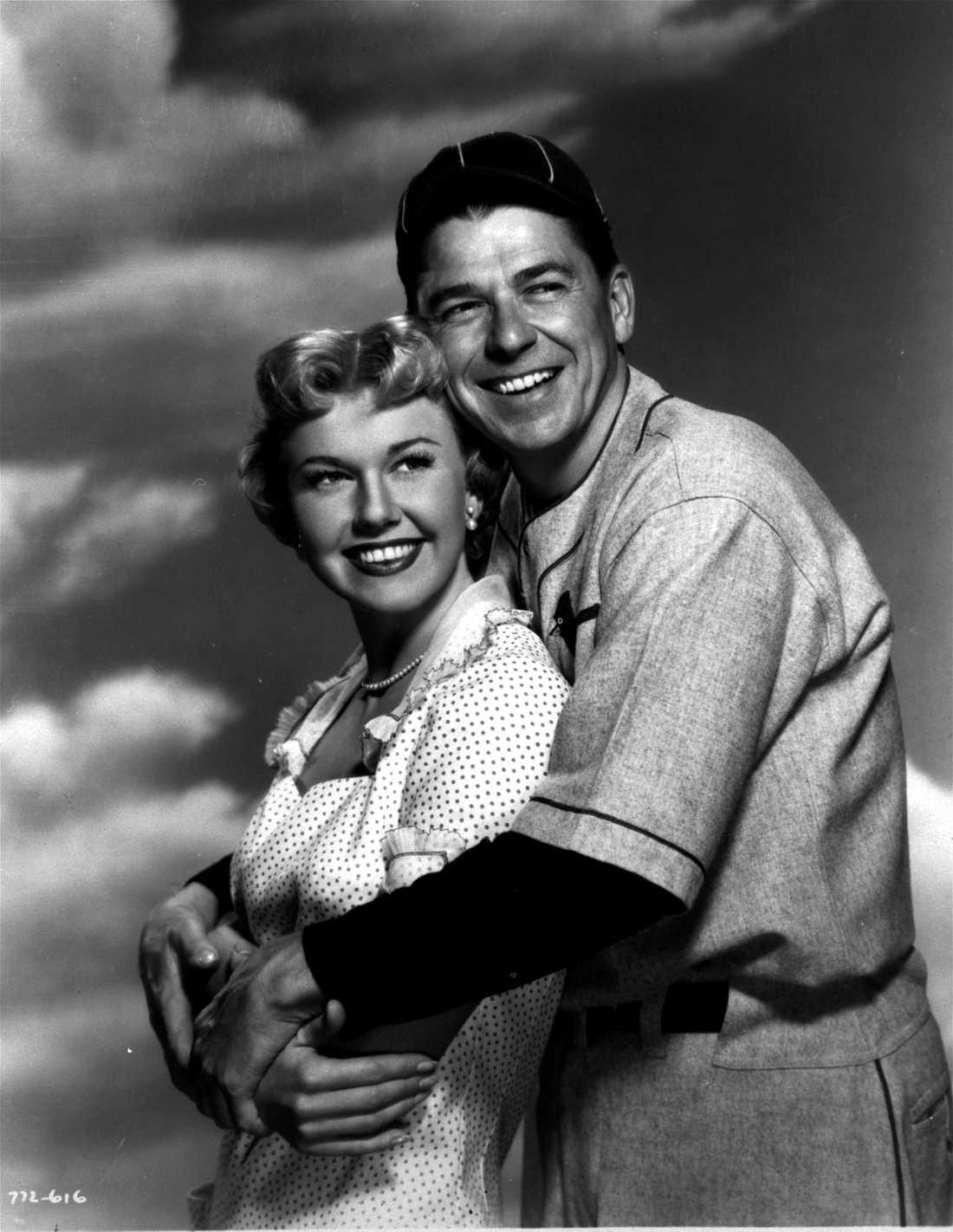 """Doris Day och Ronald Reagan (som senare blev USA:s president) i """"The winning team"""" 1952."""