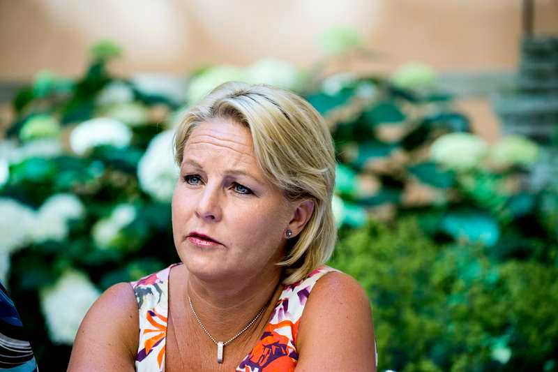Hillevi Engström (M) uppges ha varit överens med styrelsen om att Angeles Bermudez-Svankvist måste bort.