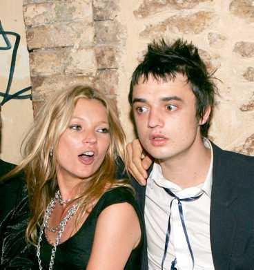 Kate Moss och Pete Doherty har haft ett stormigt förhållande med uppbrott och försoningar. Nu verkar Kate ha bestämt sig och kastat ut honom för att ge sig själv en chans.