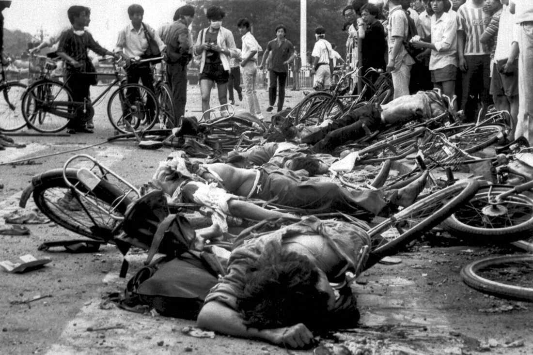 Uppgifterna om antalet döda i massakern varierar från hundratals till tusentals, eftersom regeringen gjort allt för att dölja det som inträffade.