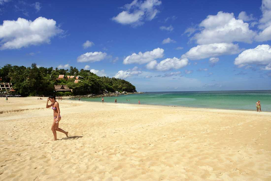 Karon Beach kritiseras på grund av förorenat vatten som rinner ut i havet.