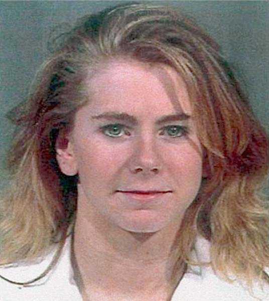 Konståkerskan Tonya Hardings, 37, exmake sabbade knäet på hennes konkurrent 1994. Tonya fick samhällstjänst för att ha stört utredningen.