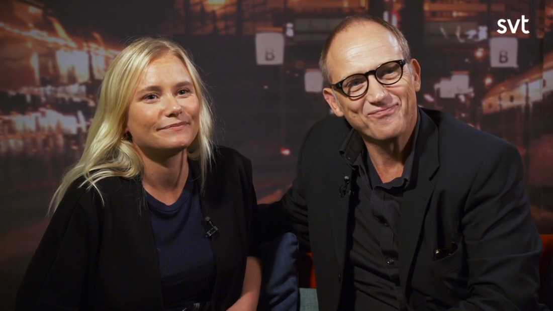 """Ebba Hultkvist Stragne, 34, och Samuel Fröler, 61, tävlar i """"På spåret"""" tillsammans."""