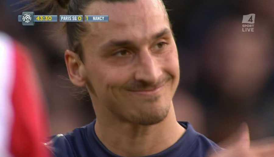Zlatan klev fram, men valde att vinka tillbaka sina lagkamrater...