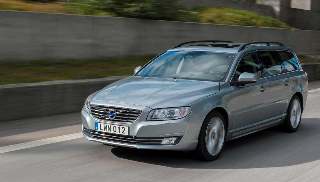 """I år är det sista året för V70. Årsmodellen kallas """"Classic"""" och i vår kommer den ersättas av sprillans nya V90. Bilen har legat som försäljningsetta i Sverige sedan 1996 – med undantag av några få månader."""