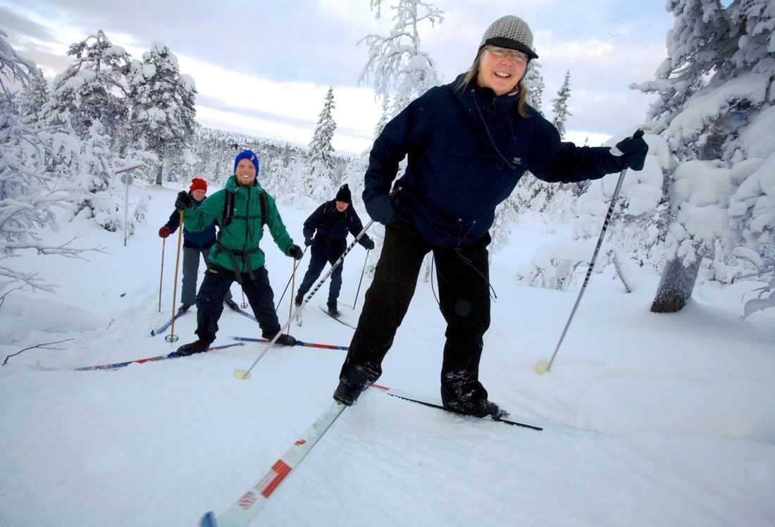 """""""Vi har åkt mer och mer längdskidor de senaste åren"""", säger Ann-Marie Lindholm från Kalmar. Här på semester i Sälen med Per och Annika Lindholm samt Linus Lidalen."""