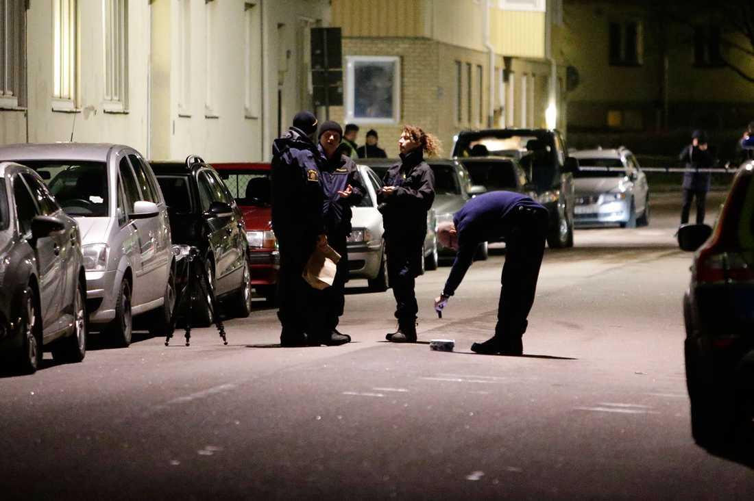 Polisen letar bevis.