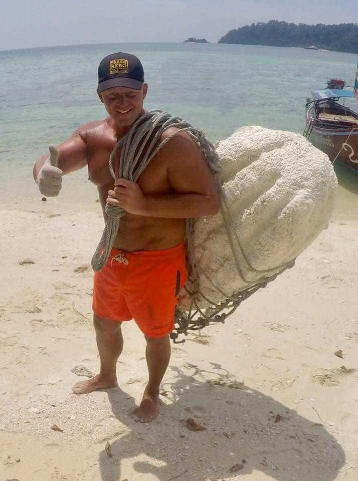 Varje år åker Peter Cornstig, 35, till Koh Lipe i södra Thailand.