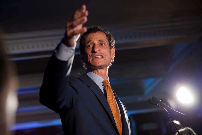 Anthony Weiner förlorade borgmästarvalet i New York 2013 efter en sexskandal. 2011 lämnade han kongressen av samma skäl.