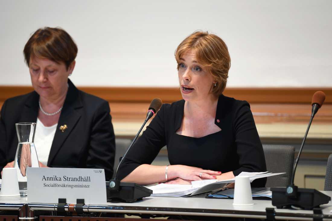 Socialförsäkringsminister Annika Strandhäll (S) frågas ut av KU om Försäkringskassans generaldirektör Ann-Marie Begler. Arkivbild.