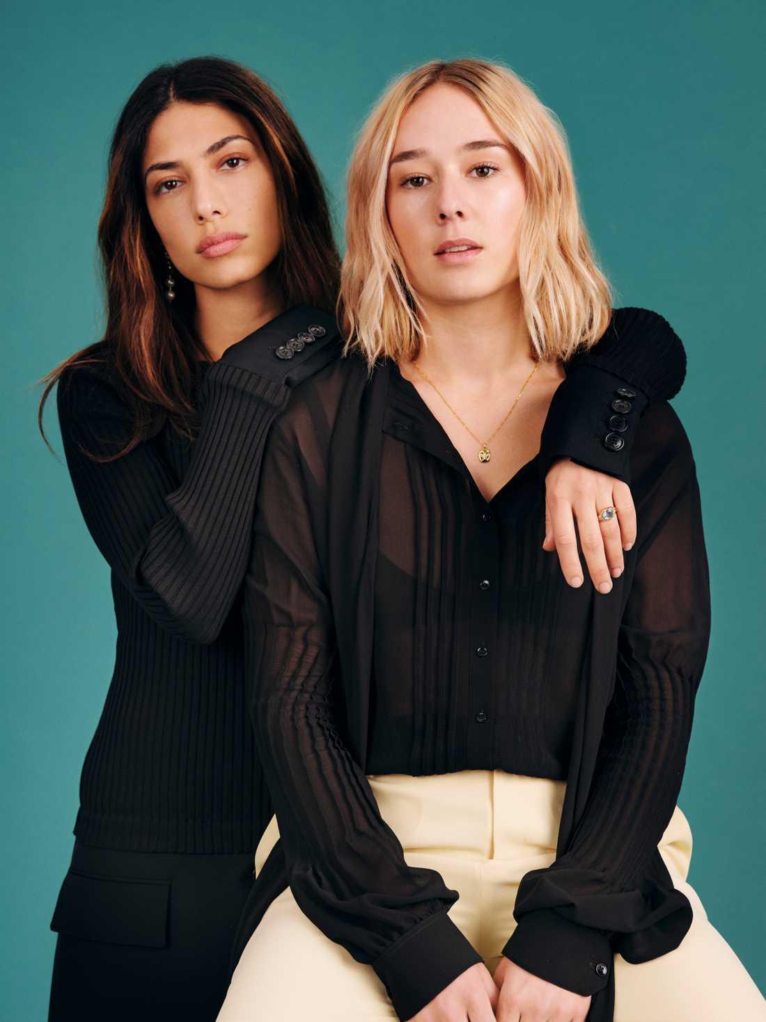 """De svenska skådespelarna Evin Ahmad och Alba August spelar båda i säsong två av den danska Netflix-serien """"The rain"""". Pressbild."""