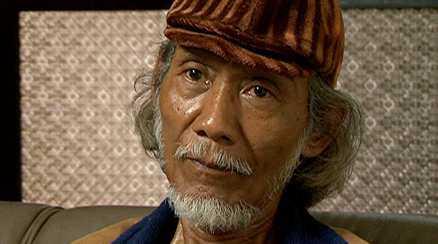 Leo Mulyono, då elev vid Yogyakartas konstskola, satt 15 år i total isolering i fånglägret på ön Buru. Ingen rättegång, ingen dom.