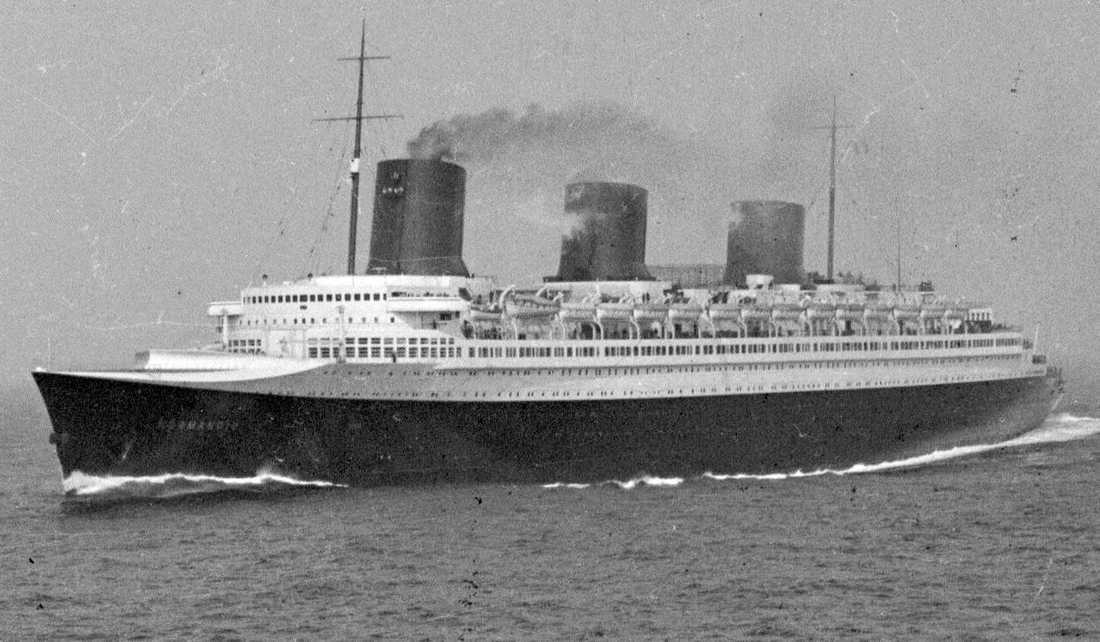 SS Normandie.