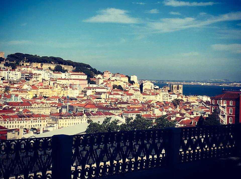 I stadsdelen Graça finns en utsiktsplats med dessa vyer.