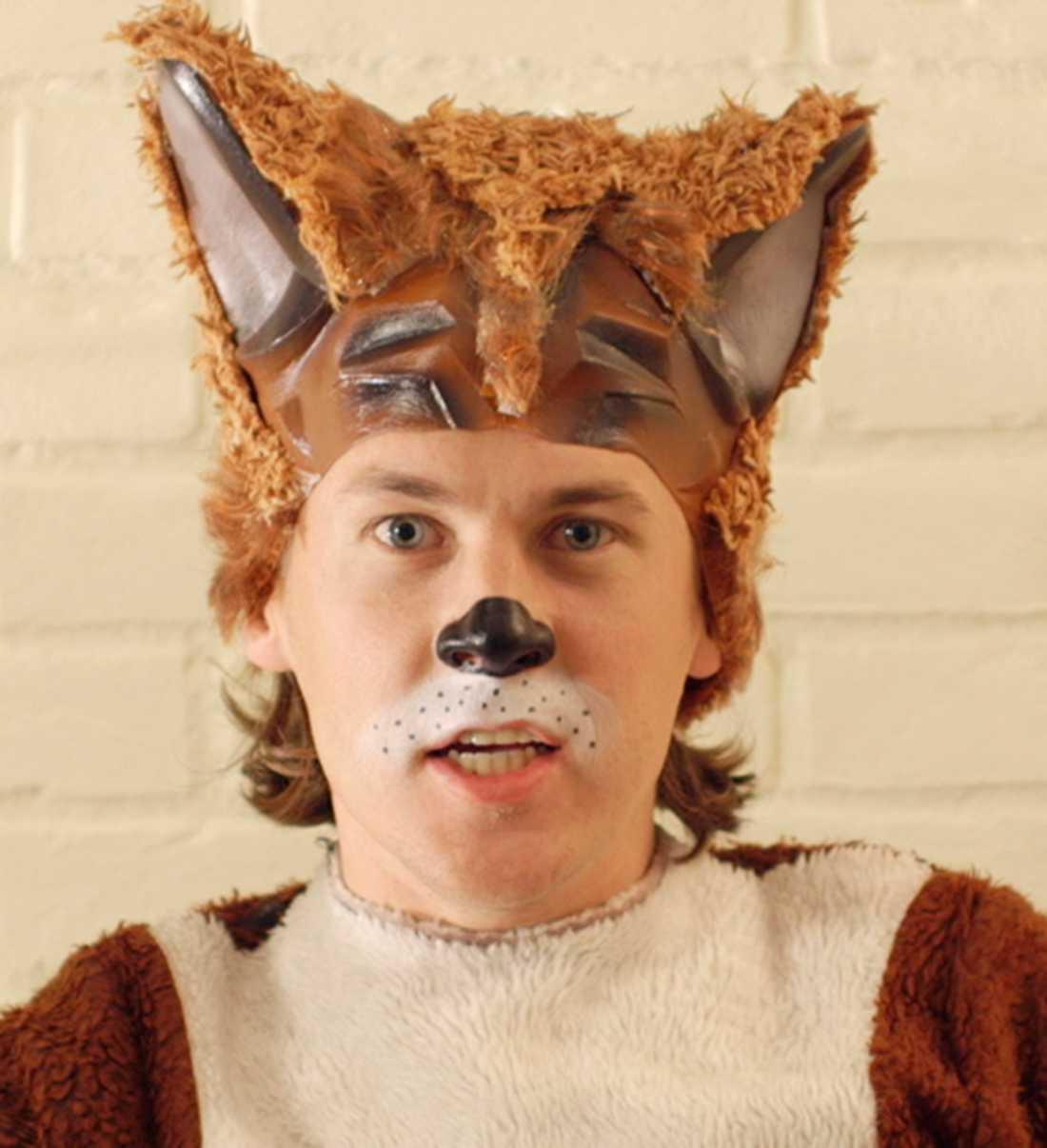 """Bård Ylvisåker, klädd för låten """"The fox""""."""