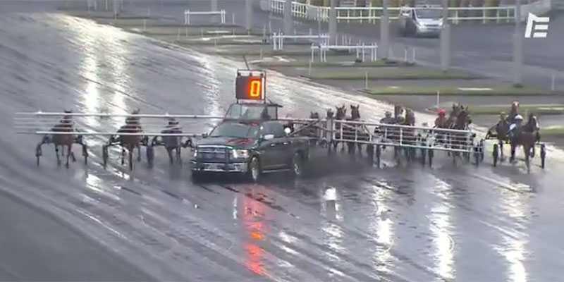 """Här får startbilen på Paris-banan Vincennes sladd i starten: """"Mycket otäckt"""""""