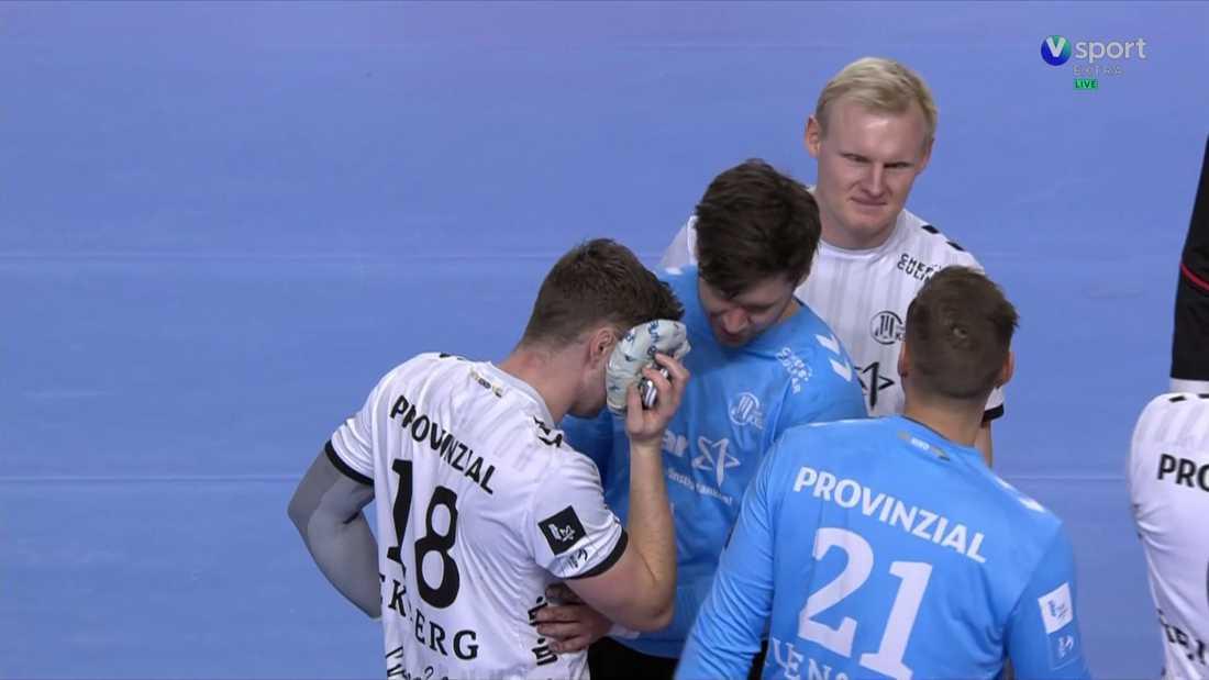 Niclas Ekberg offrade ansiktet i segern mot Veszprém.