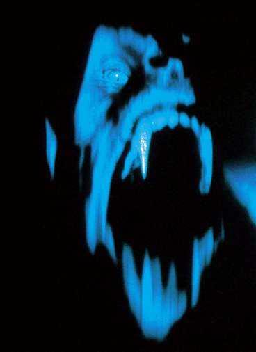 Varulven och Michael - båda rädda för ljus.
