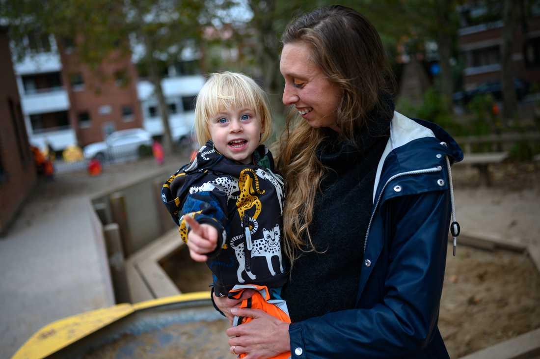 Maja Palm säger att hon inte ens har reflekterat över att hon förväntas ta med sig blöjor till sitt barn på förskolan.