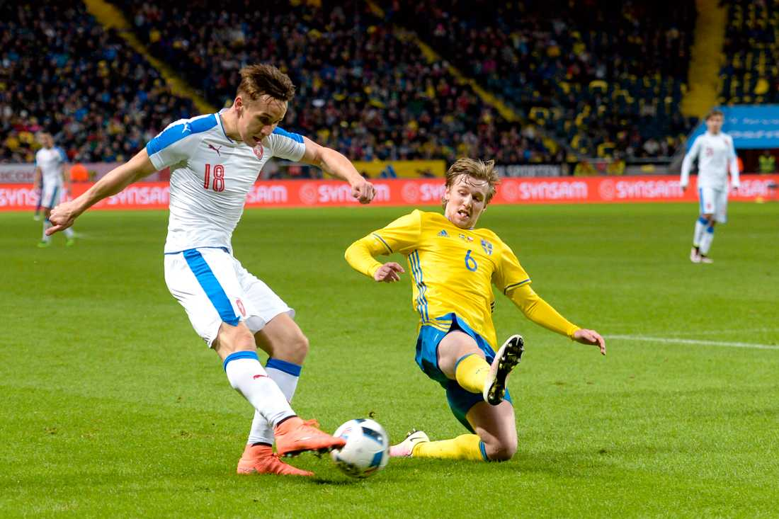 2016 spelade Sural mot Sverige på Friends arena.