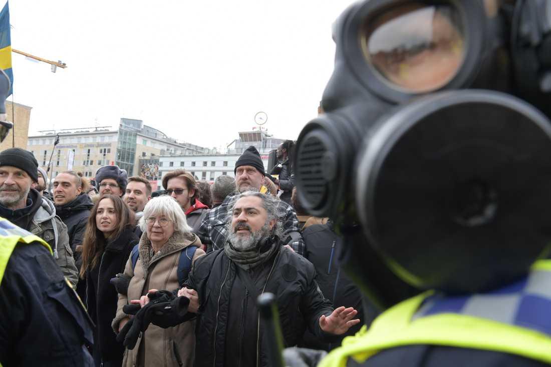 Demonstranterna samlades på Medborgarplatsen på lördagen.
