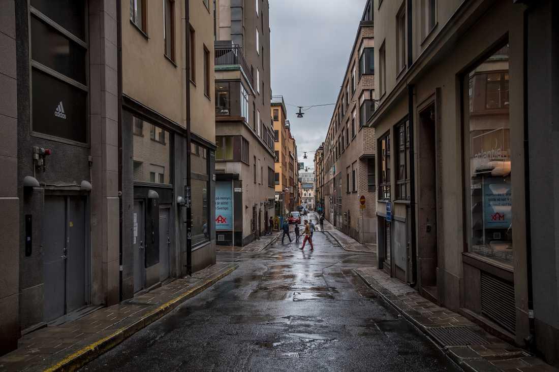 Korsningen Olofgatan och Apelbergsgatan i Stockholm, där misshandeln ska ha ägt rum.
