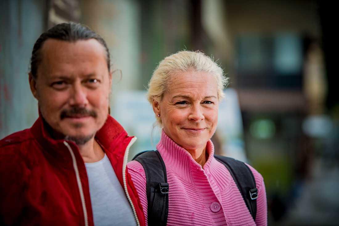 Pappa Svante Thunberg är med Greta Thunberg hela tiden.