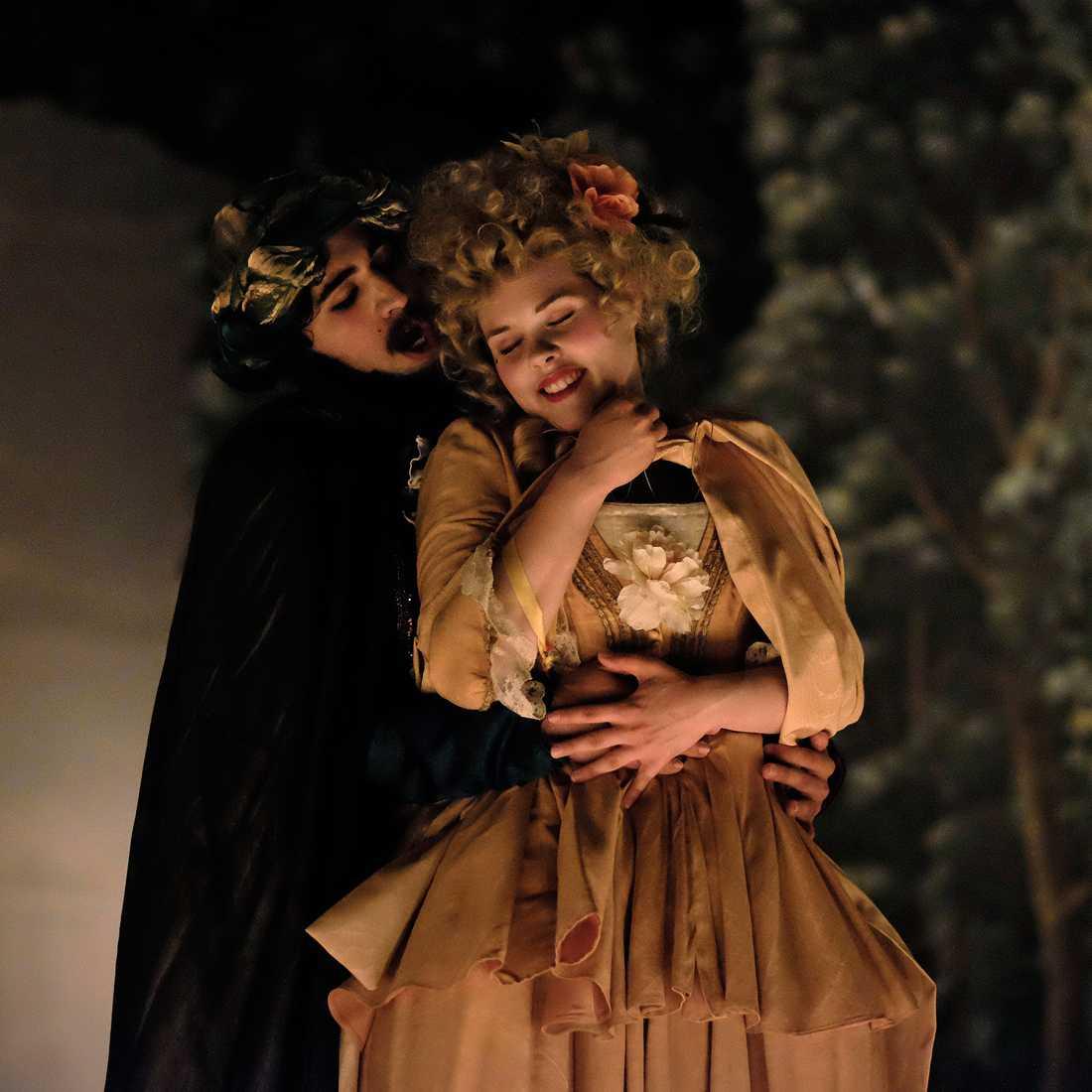 """Così fan tutte, eller """"Så gör alla kvinnor"""", på Confidencen saknar ett väl genomfört eget perspektiv. Foto: Foto: Bo Ljungblom"""