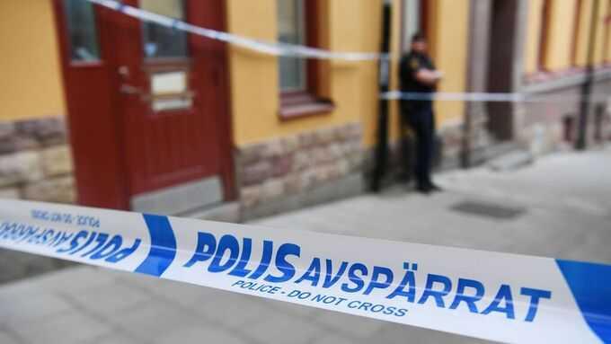 Polis har spärrat av vid den misstänka brottsplatsen.
