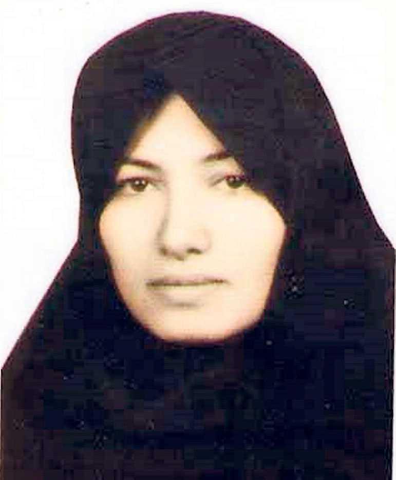 Sakineh Mohammadi Ashtiani dömdes till att stenas till döds för att ha varit otrogen i Iran. Dagens debattörer kräver att Sverige fördömmer behandlingen av Ashtiani.